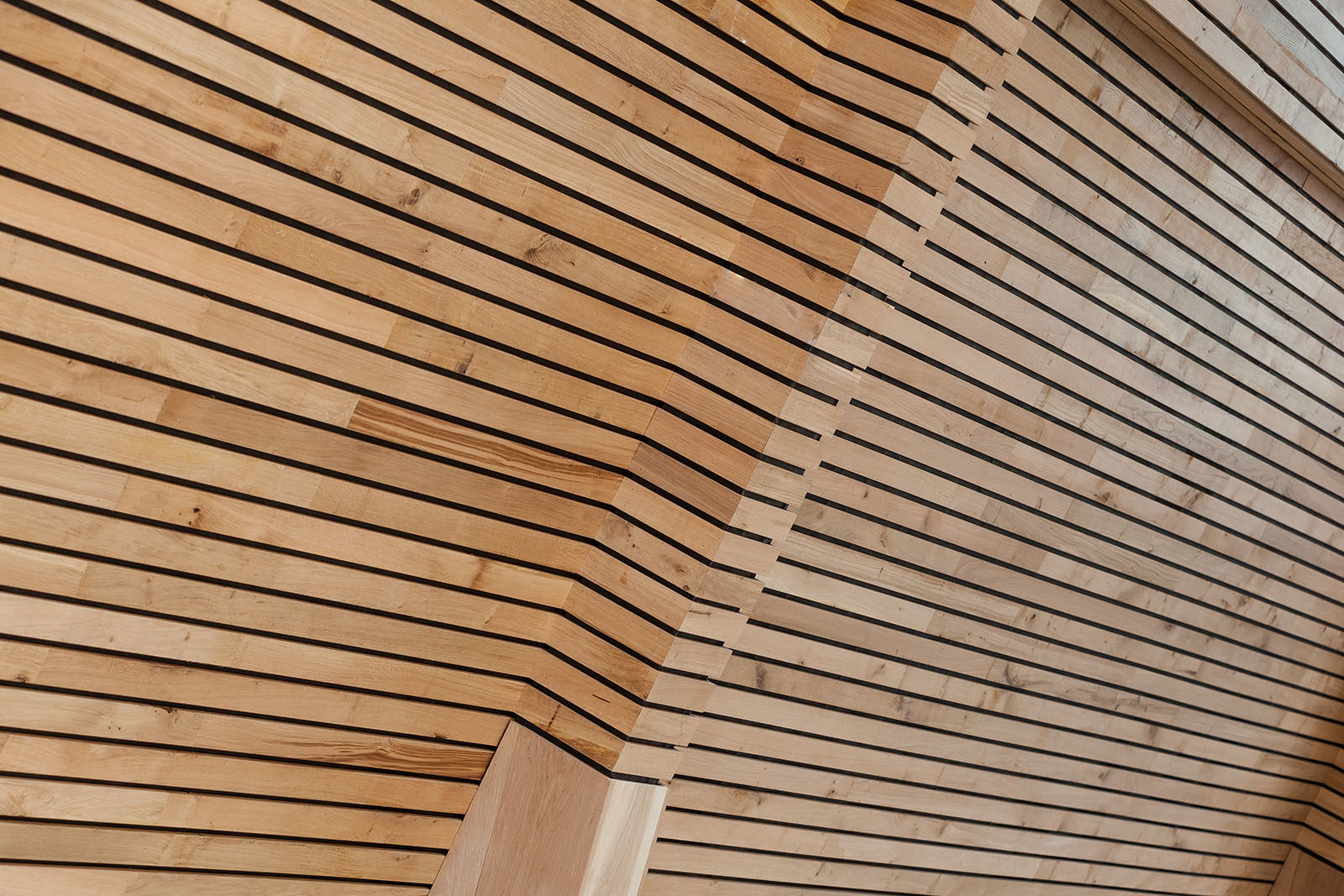 oak-cladding-header